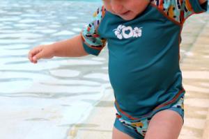 Conjunto de camiseta y bañador de POP IN
